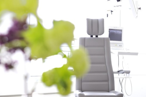 erste hilfe bei halsschmerzen dr schuster hno arzt m nchen. Black Bedroom Furniture Sets. Home Design Ideas